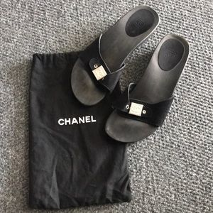 Chanel open toe suede sandal w/Chanel cc logo